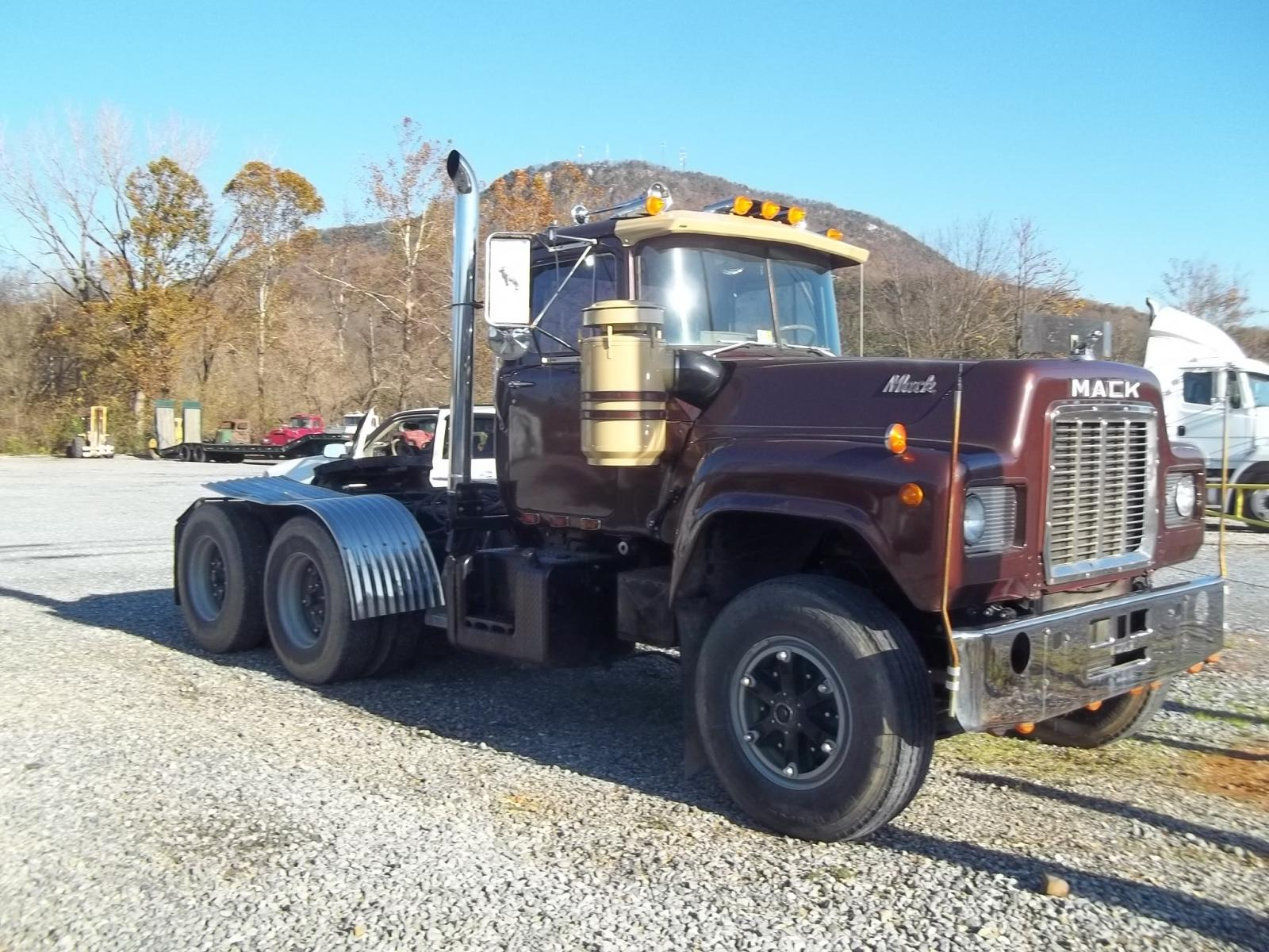 hight resolution of v8 mack trucks for sale