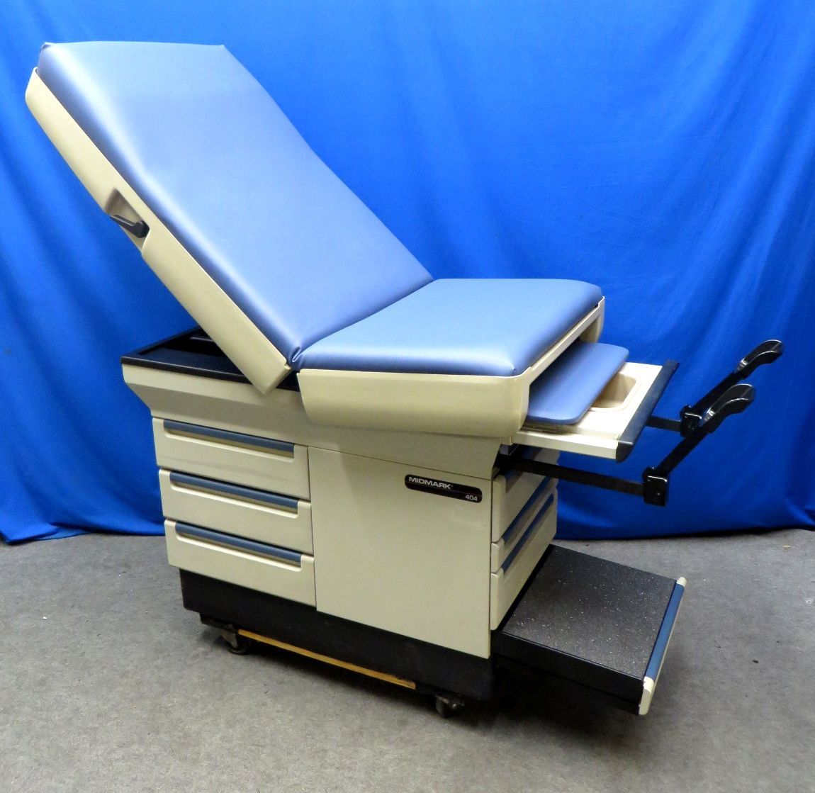 midmark dental chairs heavy duty lawn canada 404 exam table new lake blue upholstery 90 day