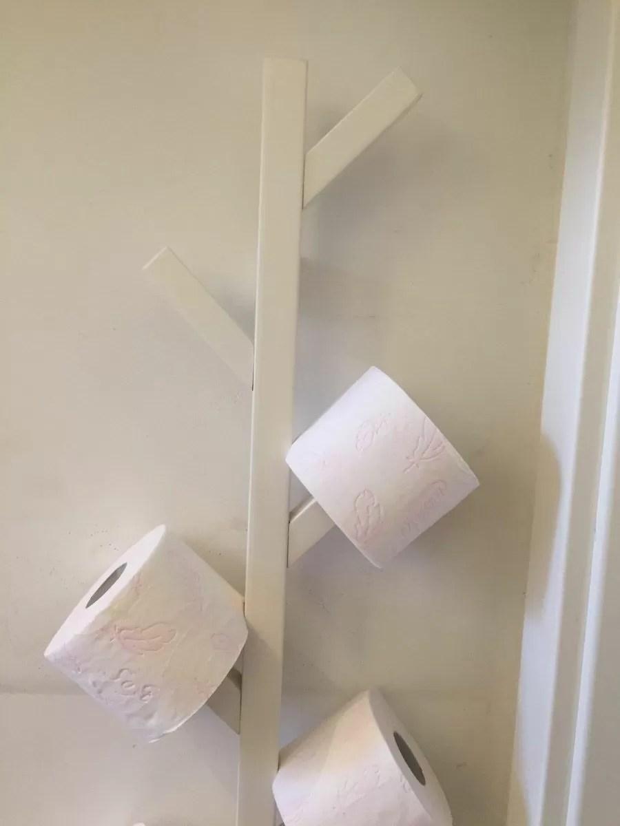 Come creare un porta rotoli di carta igienica con un appendiabiti Ikea  Bigodino
