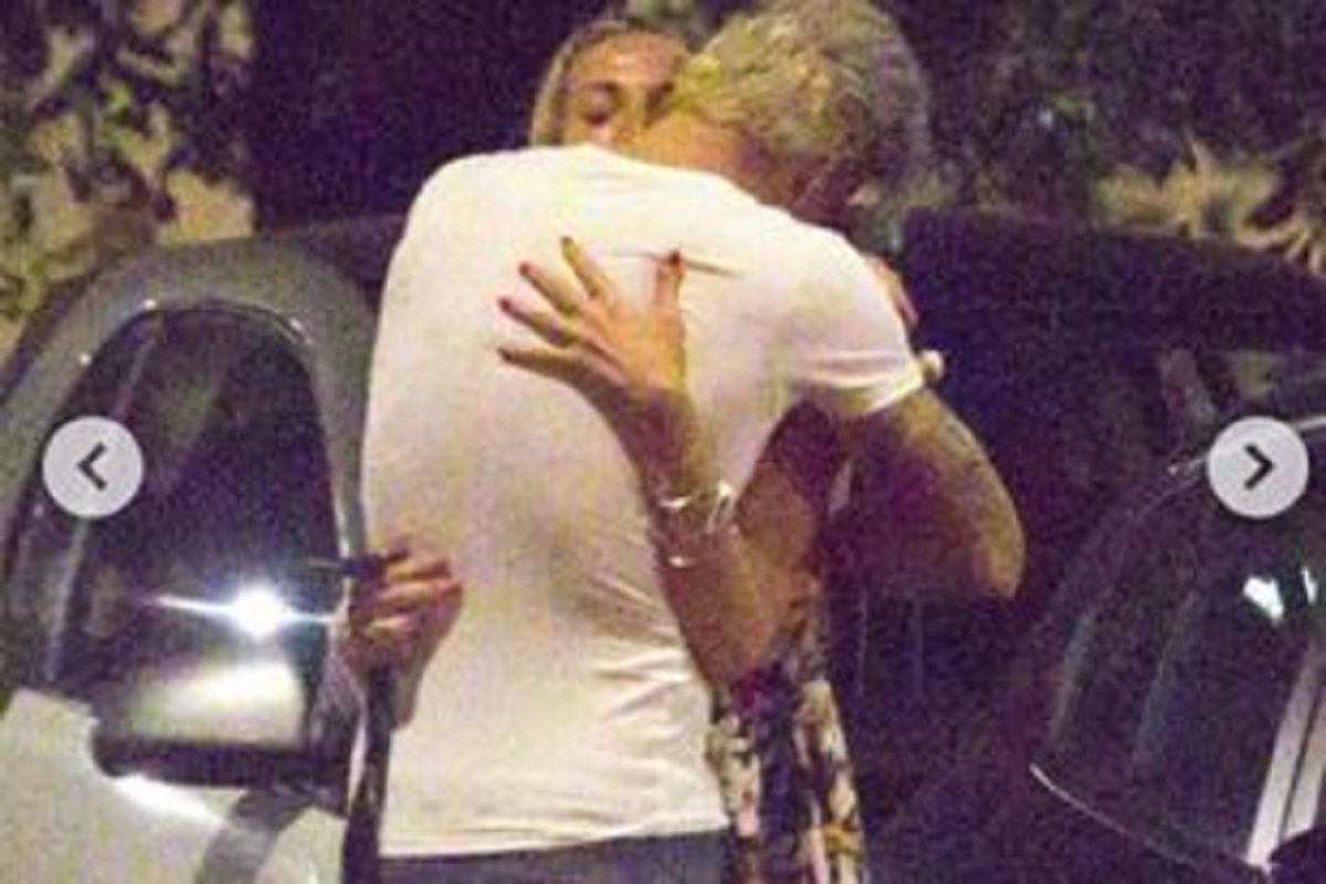 Temptation Island: Valentina Nulli Augusti pinched with the tempter