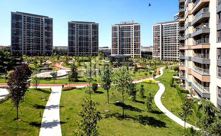 Luxury property for sale with amazing city view near to highway in Istanbul Maslak