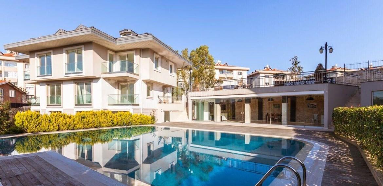 1 Villa for sale in İstanbul Sariyer