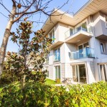 Villa with beautiful garden for sale in Istanbul