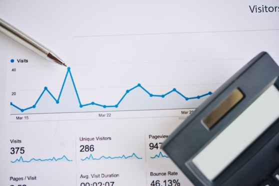 Cómo saber cuántas visitas tienen una web