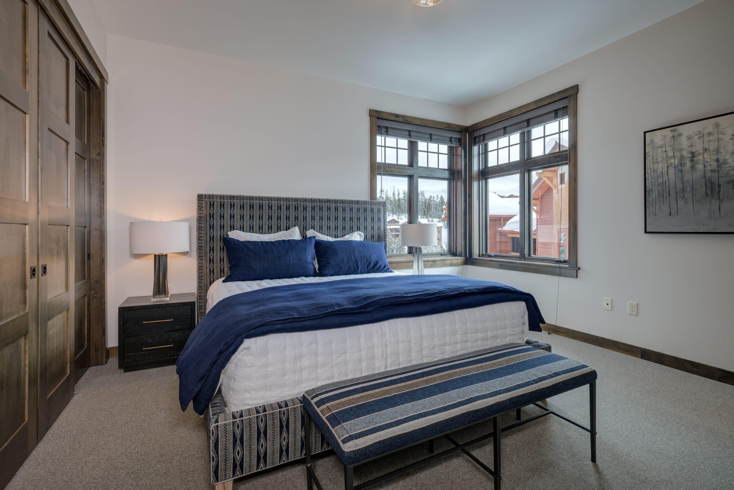 Elkhorn 2303C 4th bedroom3