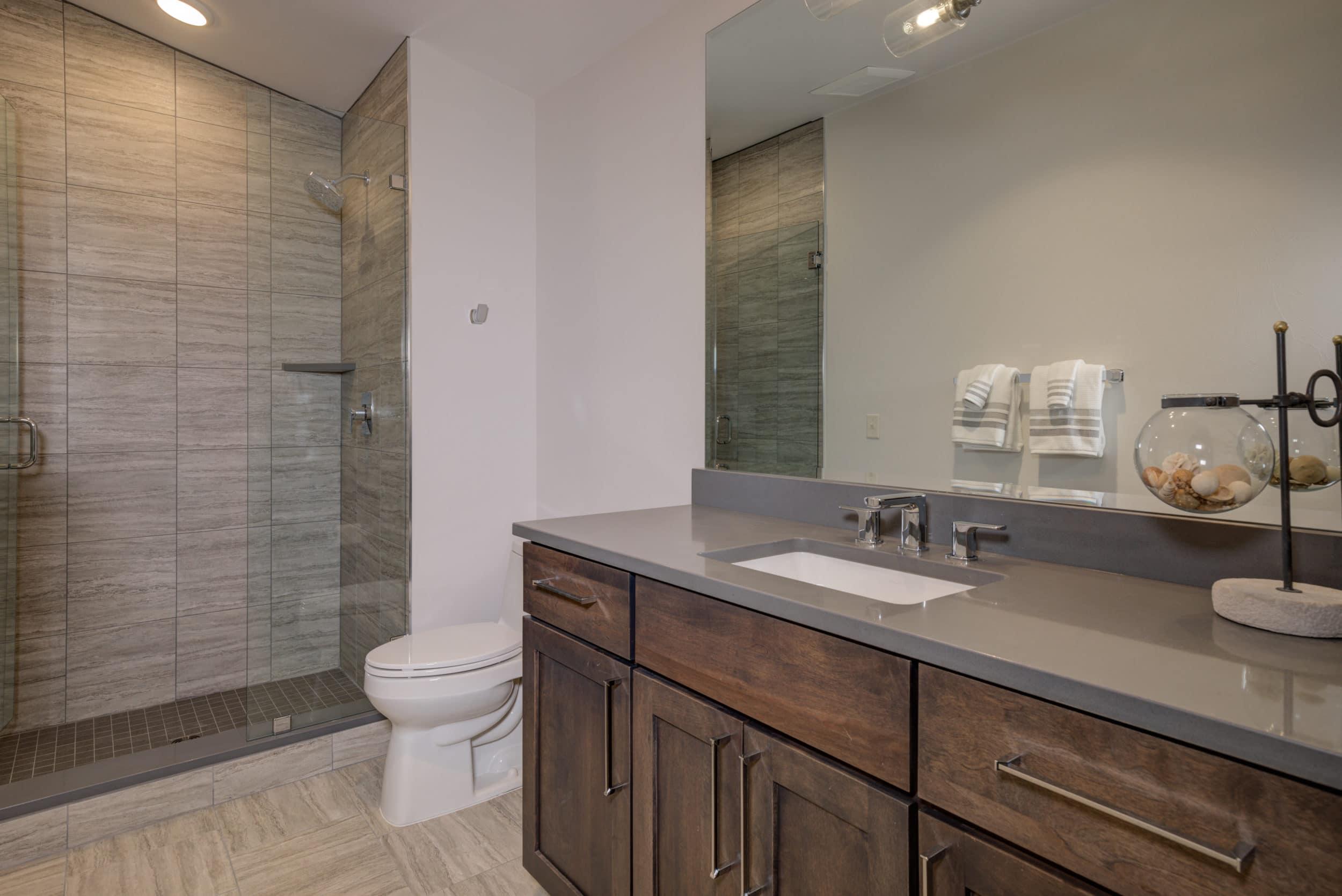 Elkhorn 2303C loft bathroom1