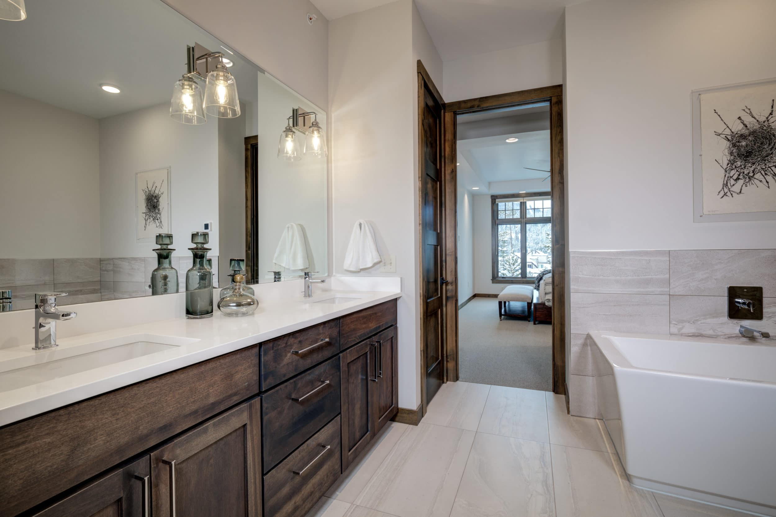 Elkhorn 2303C master bathroom5