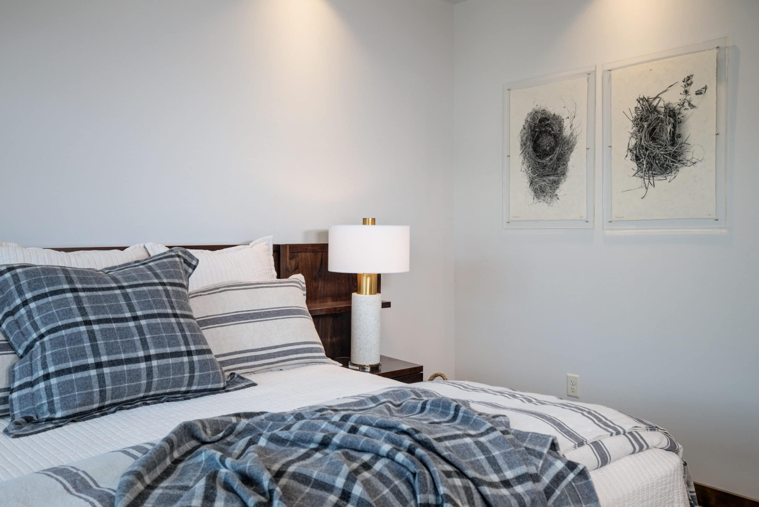Elkhorn 2303C master bedroom2