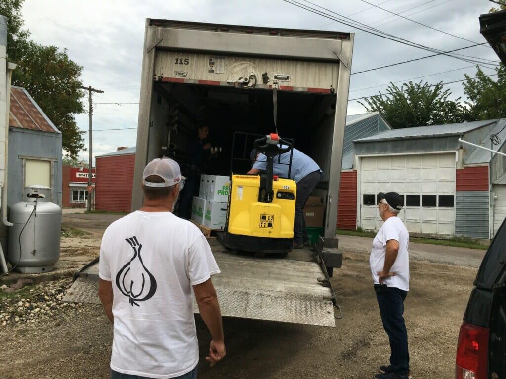 loading huge garlic shipment