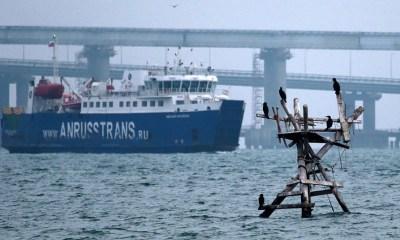 Russia blocks Ukrainian Azov Sea ports, minister