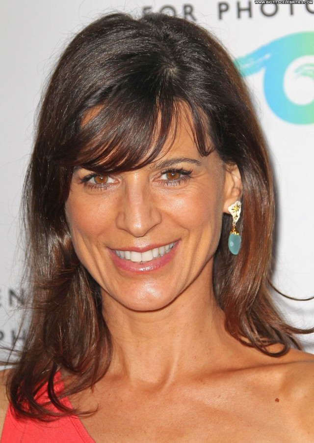 Perrey Reeves Shopping Beautiful Sultry Nice Sexy Posing Hot