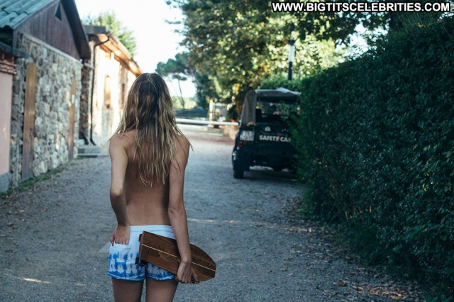Joanna Halpin Emanuele Ferrari Sexy Topless Celebrity Beautiful Happy