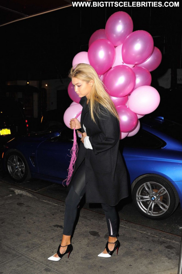 Gigi Hadid Babe Paparazzi Posing Hot Celebrity Nyc Beautiful Doll