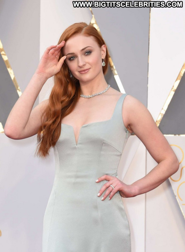 Sophie Turner Beautiful Awards Hollywood Paparazzi Celebrity Posing