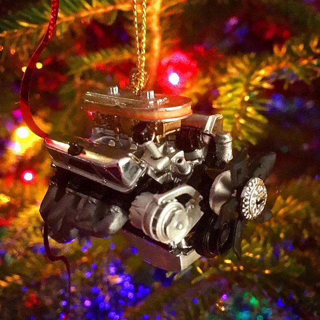 Christmas tree equipped with Ford 427
