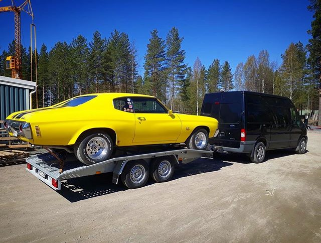 Team Big Wheels heading towards Helsinki. @nostalgiacarshow