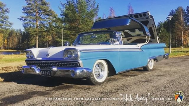 Last sunny days for cruising in 2018. Here's a short clip from today: 1959 Ford Galaxie Skyliner doing the trick one more time. Kesän viimeisiä cruisailukelejä viedään.