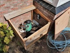 waterpomp in tuin