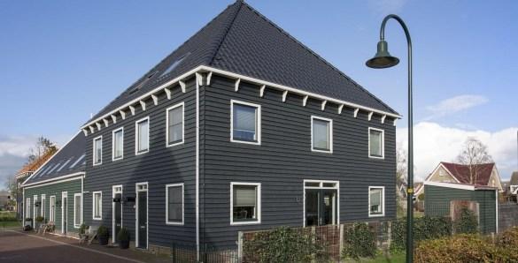 zwart huis, zwarte woning, zwarte gevelbekleding