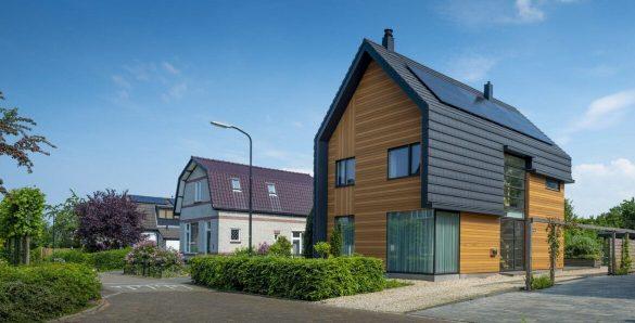 Huis met houten gevelbekleding