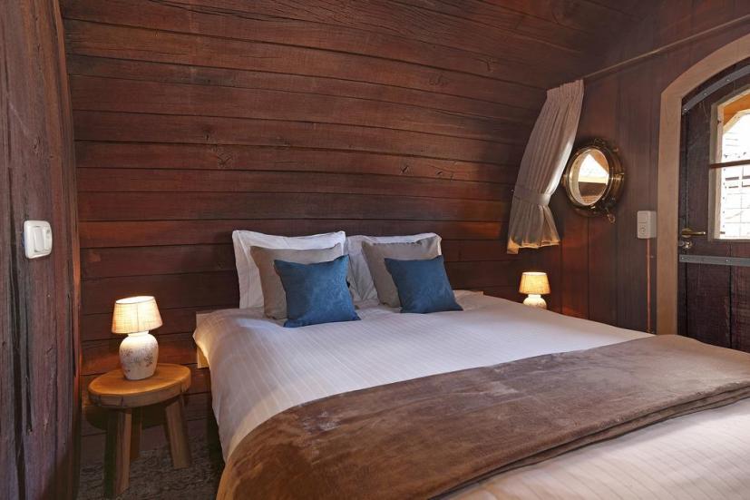 Bijzondere Overnachting Origineel Overnachten Slapen in een wijnvat Hotel Vrouwe van Stavoren9