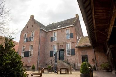 Bijzondere Overnachting Origineel Overnachten Slapen op Limburgse Kasteelboerderij in Schinveld13