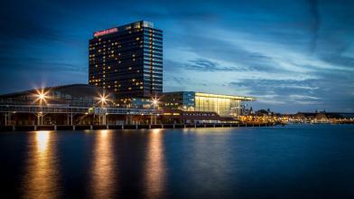Bijzondere Overnachting Origineel Overnachten Movenpick City Centre Hotel Amsterdam uizicht over Amsterdam1