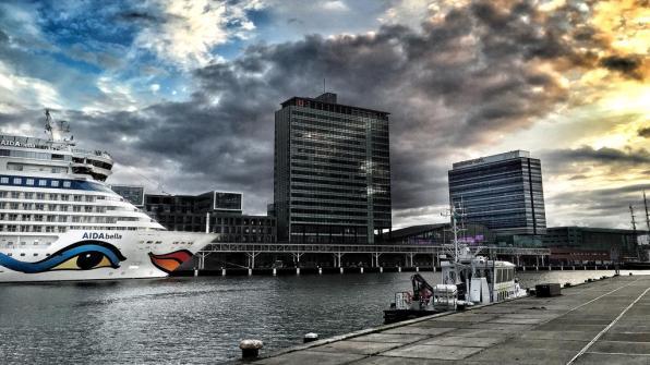 Bijzondere Overnachting Origineel Overnachten Movenpick City Centre Hotel Amsterdam uizicht over Amsterdam13