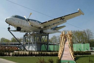 Bijzondere Overnachting Origineel Overnachten Slapen in een vliegtuig Brequet Atlantic 1150 in het Brabantse Mill11