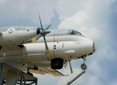 Bijzondere Overnachting Origineel Overnachten Slapen in een vliegtuig Brequet Atlantic 1150 in het Brabantse Mill8