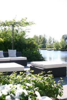 Bijzondere Overnachting Origineel Overnachten Villa Envie - Luxe boutique hotel aan het Sneekermeer1