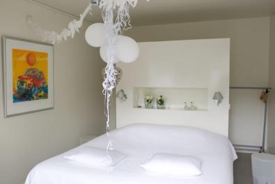 Bijzondere Overnachting Origineel Overnachten Villa Envie - Luxe boutique hotel aan het Sneekermeer6