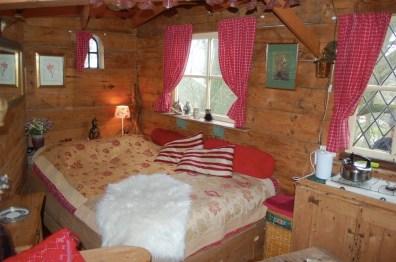 Bijzondere Overnachting Slapen in een boomhut Het Kleine Paradijs Friesland2