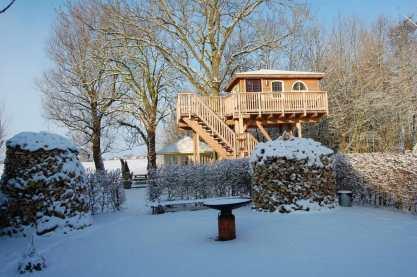 Bijzondere Overnachting Slapen in een boomhut Het Kleine Paradijs Friesland5