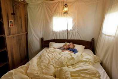 Bijzondere Overnachting Slapen bij de boer BoerenBed Boshuis5