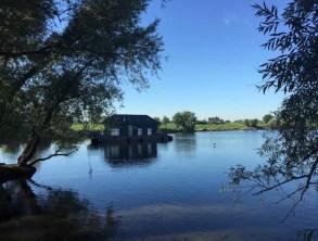 Bijzondere Overnachting Origineel Overnachten Slapen op het water in Vaarthuis Pur Sang in Maurik4