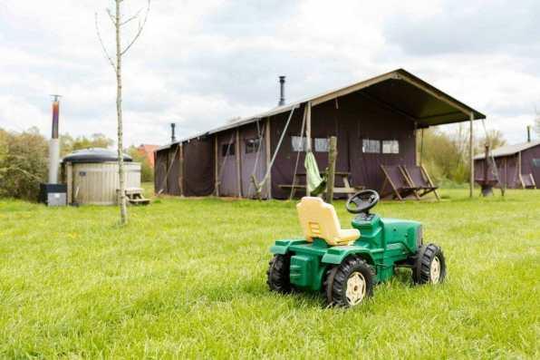 Bijzondere Overnachting Slapen bij de boer Boerderij de Kalverweide Steenwijk Drenthe1