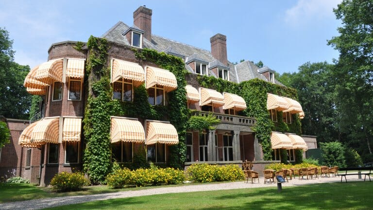 Bijzondere Overnachting hotel brabant landgoed Huize Bergen in Vught1