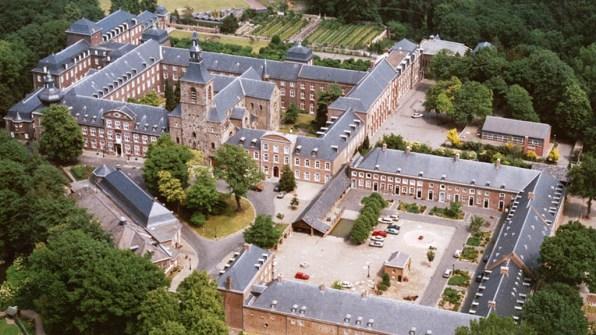 Bijzondere Overnachting Origineel Overnachten in Abdij Rolduc Kerkrade Limburg2