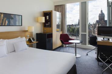 Bijzondere Overnachting Origineel Overnachten Double Tree by Hilton Hotels met prachtig uitzicht over Amsterdam2