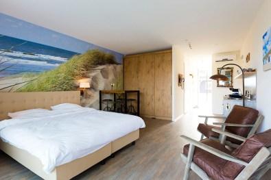 Bijzondere-Overnachting-Origineel-Overnachten-Slapen-in-een-familiehotel-aan-de-Zeeuwse-Kust-in-Renesse5
