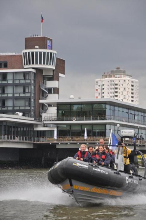 Bijzondere Overnachting Origineel Overnachten Uitzicht over de Maas bij het Delta Hotel in Vlaardingen17