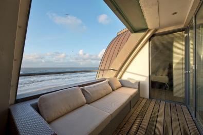 Bijzondere Overnachting Origineel Overnachten Luxe penthouse direct aan het strand van Bloemendaal aan Zee3