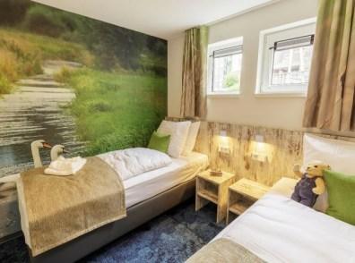 Bijzondere Overnachting Origineel Overnachten Slapen op het water in een woonboot van Center Parcs De Eemhof16