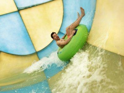Bijzondere Overnachting Origineel Overnachten Slapen op het water in een woonboot van Center Parcs De Eemhof6