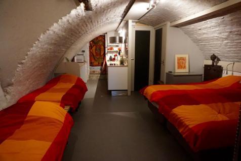Bijzondere Overnachting Origineel Overnachten Kunstzinnig appartement in Utrechtse werfkelder7