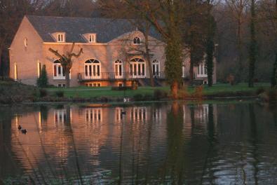 Bijzondere Overnachting Origineel Overnachten Limburgs kasteelhotel in Sandton Chateau De Raay12
