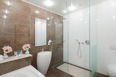 Bijzondere Overnachting Origineel Overnachten Luxe hotelkamer met bubbelbad nabij Den Haag3