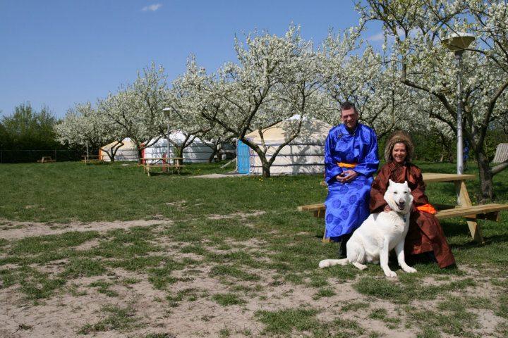 Slapen in een Mongoolse Yurt of Ger langs de Rijn