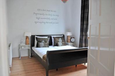 Bijzondere Overnachting Origineel Overnachten Slapen in monumentale villa Tuinpracht in Bergen aan Zee4